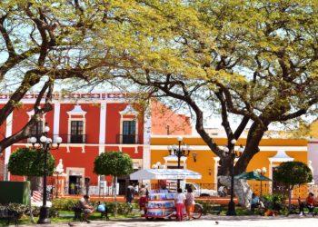 Campeche, ville colorée, zocalo, Mexique
