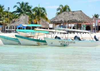 Celestun bateaux Yucatan Mexique