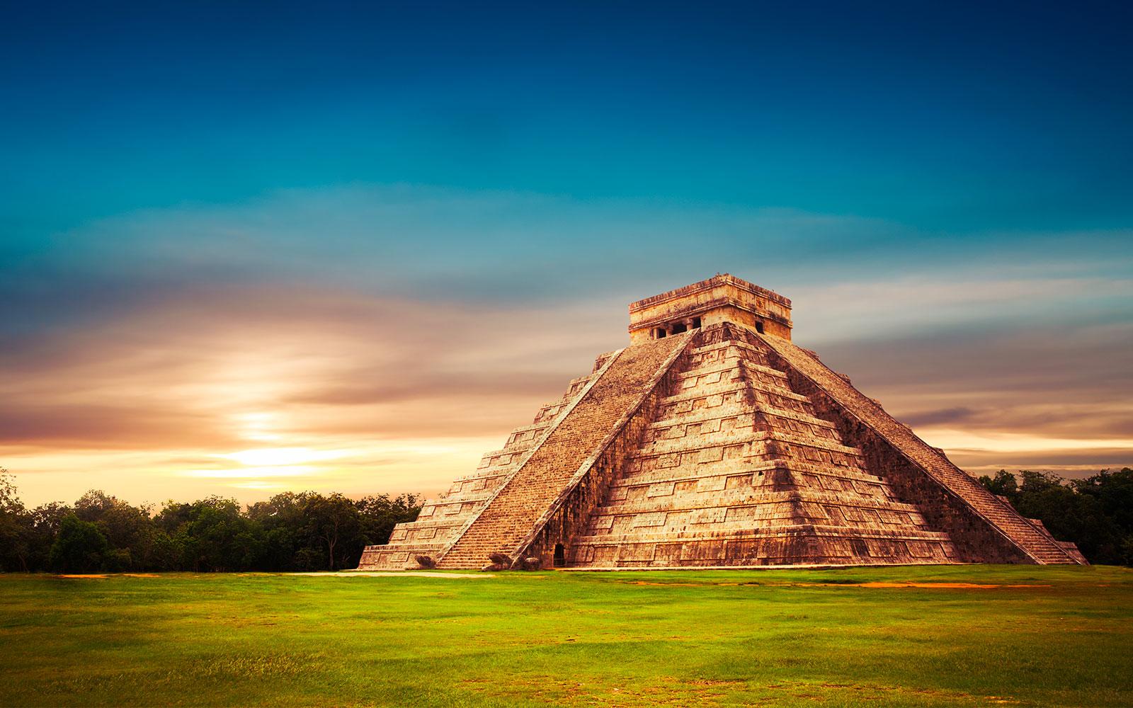 Site, Pyramide de Chichen Itza, Site archeologique, Yucatan au Mexique