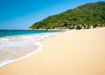 Bord de plage Puerto Vallarta, mer, sable blanc, Côte Pacifique, Oaxaca, Mexique