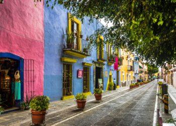 Ville de Puebla, ruelle colorée, alentours de Mexico, Mexique