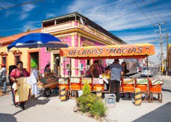 Cholulam ruelles colorées, marchands, commerces, glaces, Mexico et ses alentours, Mexique