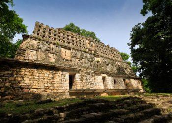 Site, pyramide de Yaxchilan dans le Chiapas au Mexique